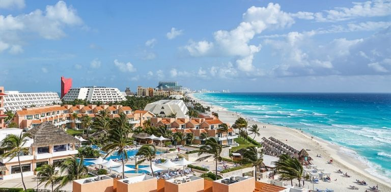 Flights from Boston, USA to Cancun, Mexico from only $242 roundtrip