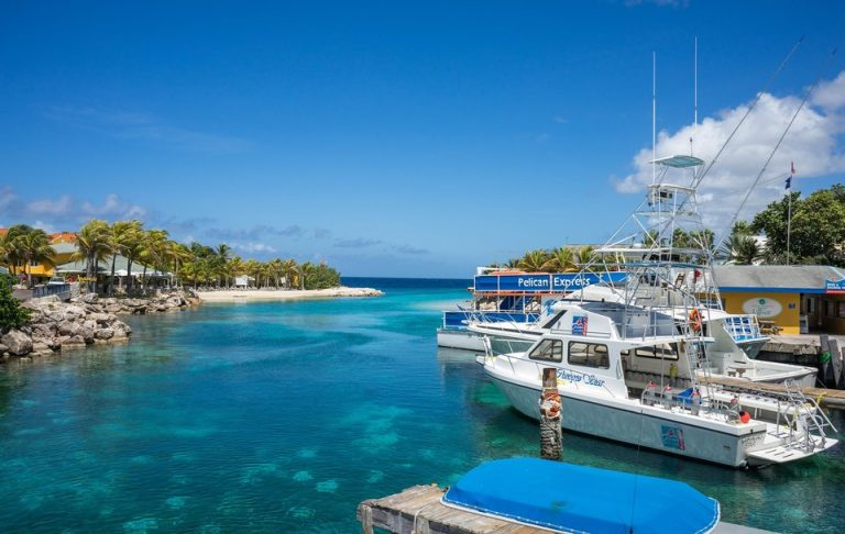 Flights from New York, USA to Curacao from only $292 roundtrip