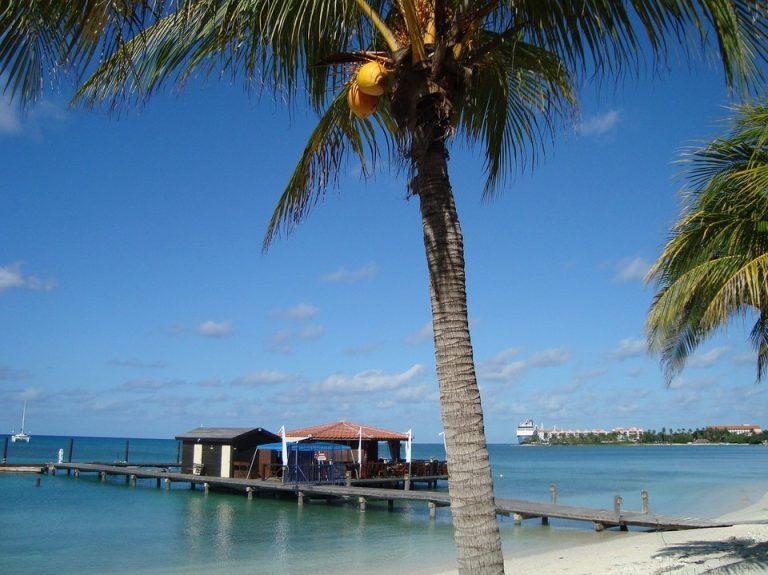 Flights from New York, USA to Oranjestad, Aruba from only $283 roundtrip