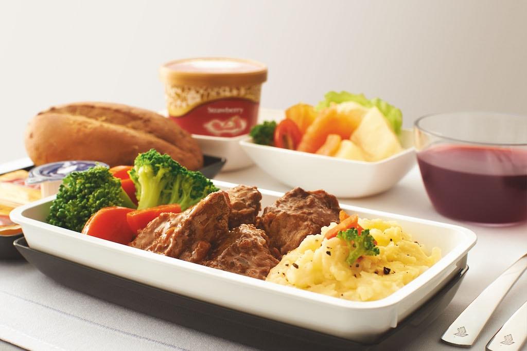 Singapore Airlines Premium Economy aeroplnae food