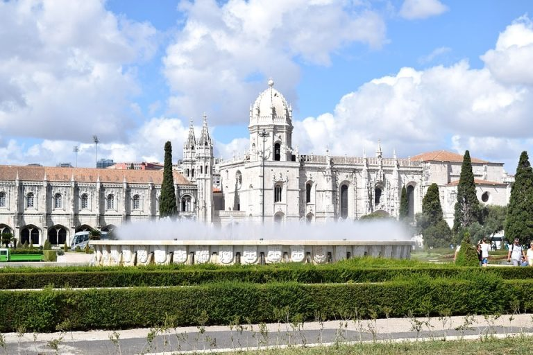Flights from Boston to Lisbon, Portugal from only $552 roundtrip