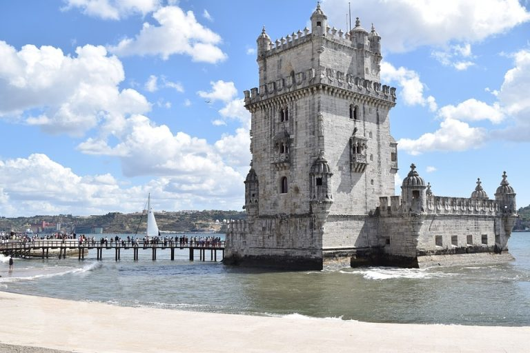 Flights from San Francisco, USA to Lisbon, Portugal from only $343 roundtrip